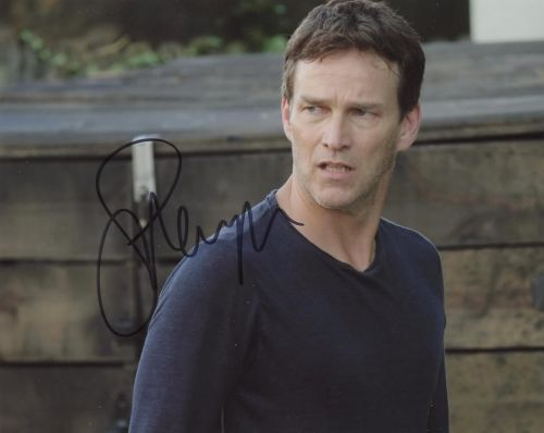 Stephen Moyer from the TV series THE GIFTED
