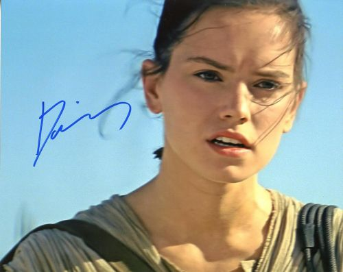 Daisy Ridley from the movie STAR WARS THE FORCE AWAKENS